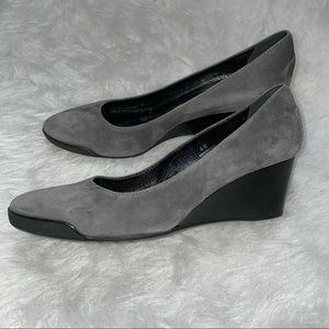 Tod's Gray Suede Wedge Shoes Made in Italy Size 40